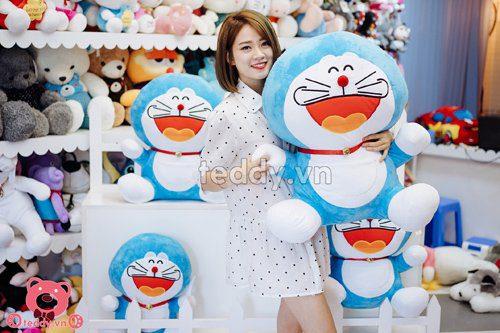 Có rất nhiều mẫu cho các bạn chọn lựa nhé! Doraemon 80cm, giá 490.000đ