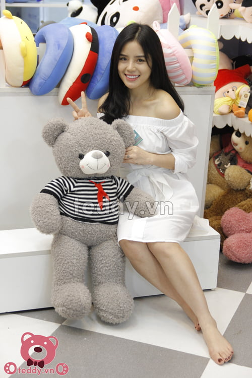 Gấu teddy xám khăn đỏ