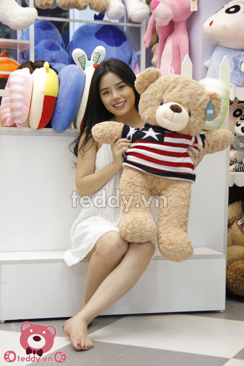 Gấu teddy len áo sao