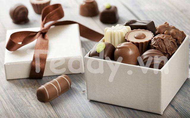 Hộp socola - tặng quà 1/6 cho bé